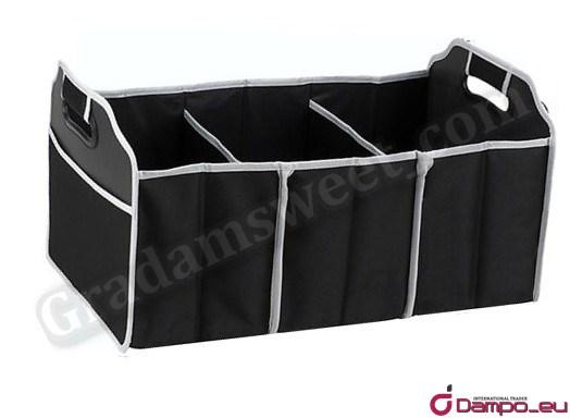 /><br /> <br /> Organizér Vám pomůže věci které máte v kufru začlenit a udržovat pořádek v kufru auta. <br /> Plně skládací a přenosný organizér. Lze složit do ploché podoby pro snadné skladování.<br /> <img style=